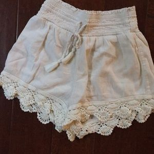 Cream Aerie Lace Shorts